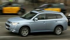 Déjà 12 000 commandes pour le Mitsubishi Outlander PHEV