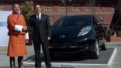 Carlos Ghosn fait la promotion du véhicule électrique...au Bouthan