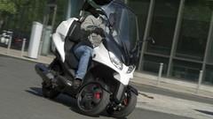 Essai du scooter à trois roues Adiva 300 AD3 : le tricycle cabriolet