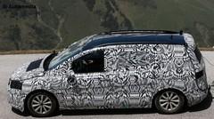 Les premiers clichés du futur VW Touran !