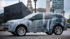 Land Rover Discovery Sport 2015 : premières photos sous camouflage