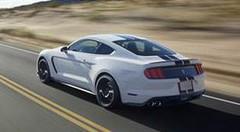 Ford Mustang Shelby GT350 2015 : Plus de 500 ch pour la nouvelle pony car américaine