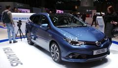 Toyota Auris restylée : L'hybride mieux entouré