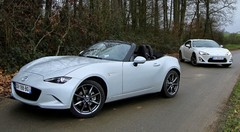 Match Mazda MX-5 vs Toyota GT86 : Virage, virage...