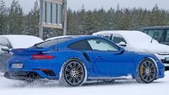 La Porsche 911 GT2 RS en approche