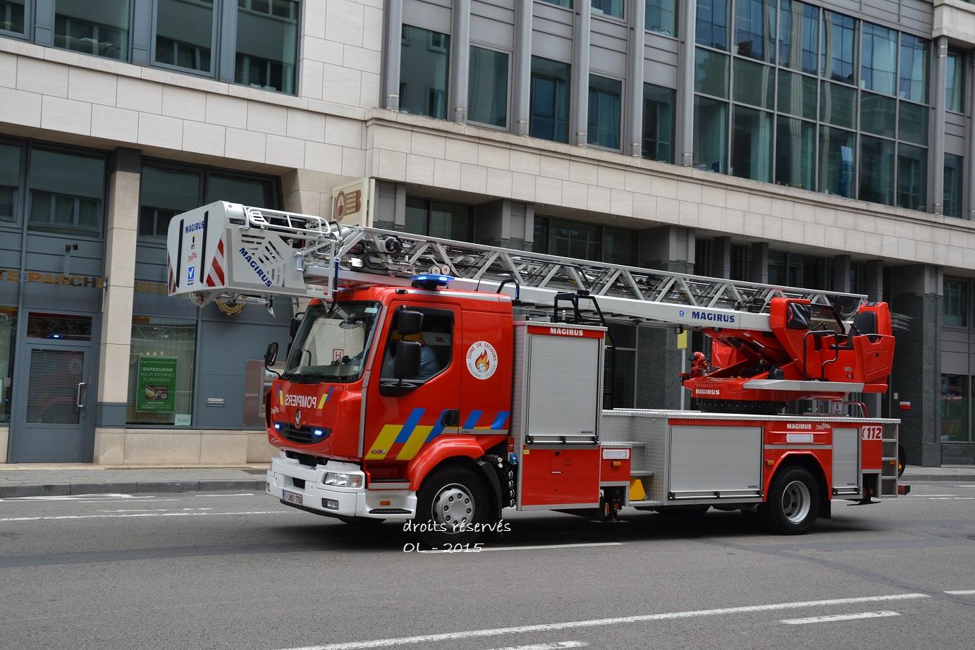 V hicules de pompiers du monde entier page 275 auto titre for Garage mercedes mouscron
