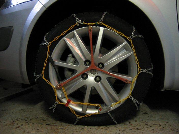 megane chaines sur pneus 17 j 39 ai essay auto titre. Black Bedroom Furniture Sets. Home Design Ideas