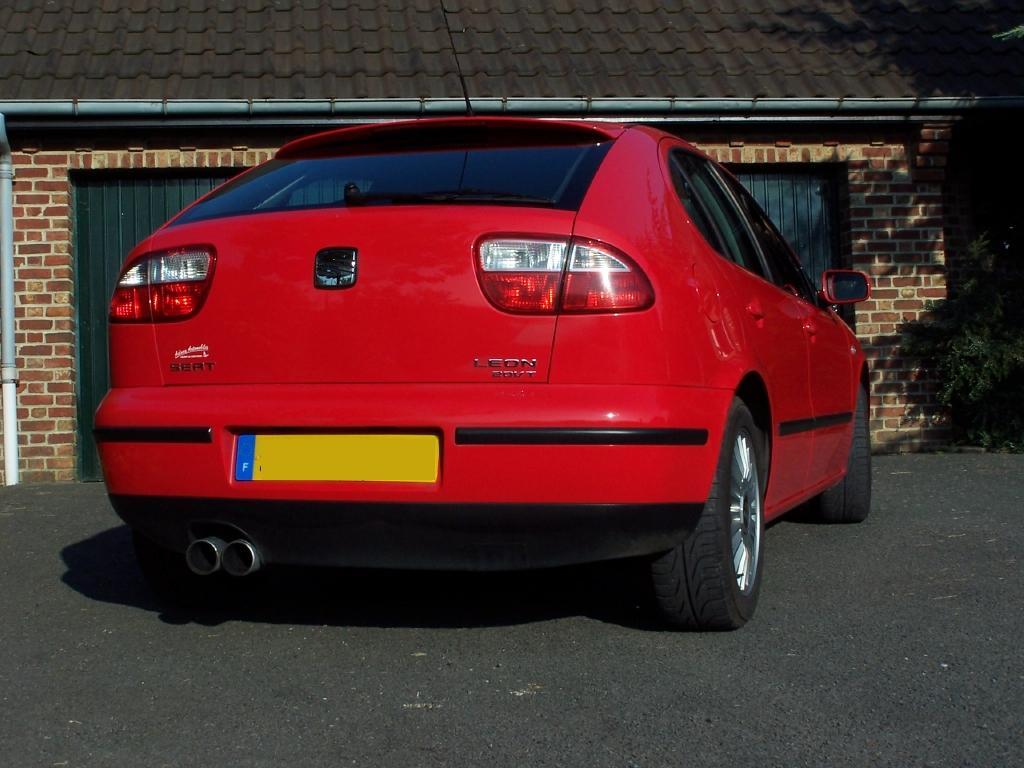 seat leon sport 1 8 20vt 180ch bv6 7000 vendu voitures annonces auto et accessoires. Black Bedroom Furniture Sets. Home Design Ideas