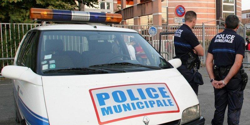 Photos de voitures de police page 2275 auto titre - Bergerac piscine municipale ...