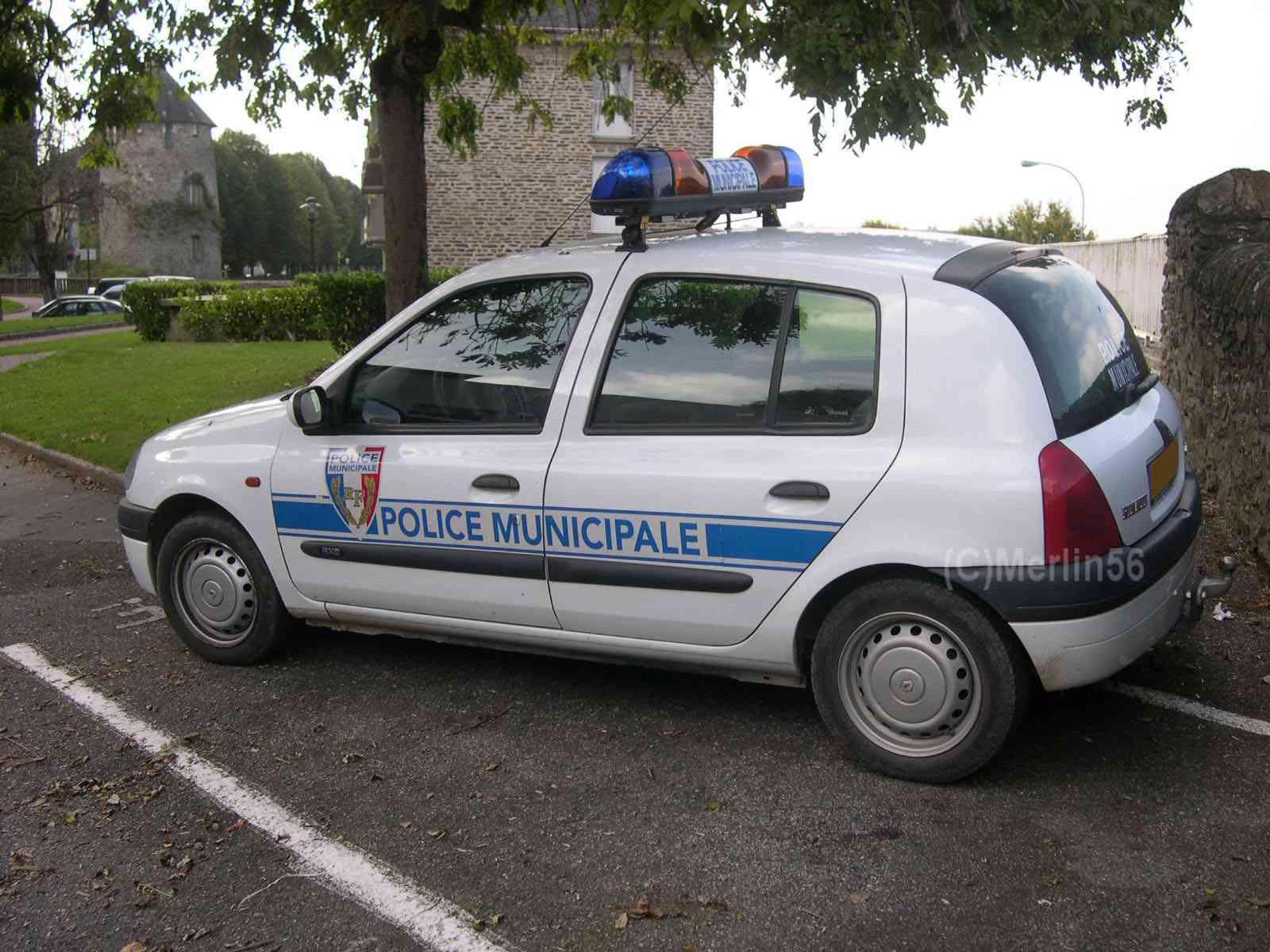 Photos de voitures de police page 639 auto titre - Nouvelle grille indiciaire gendarmerie ...