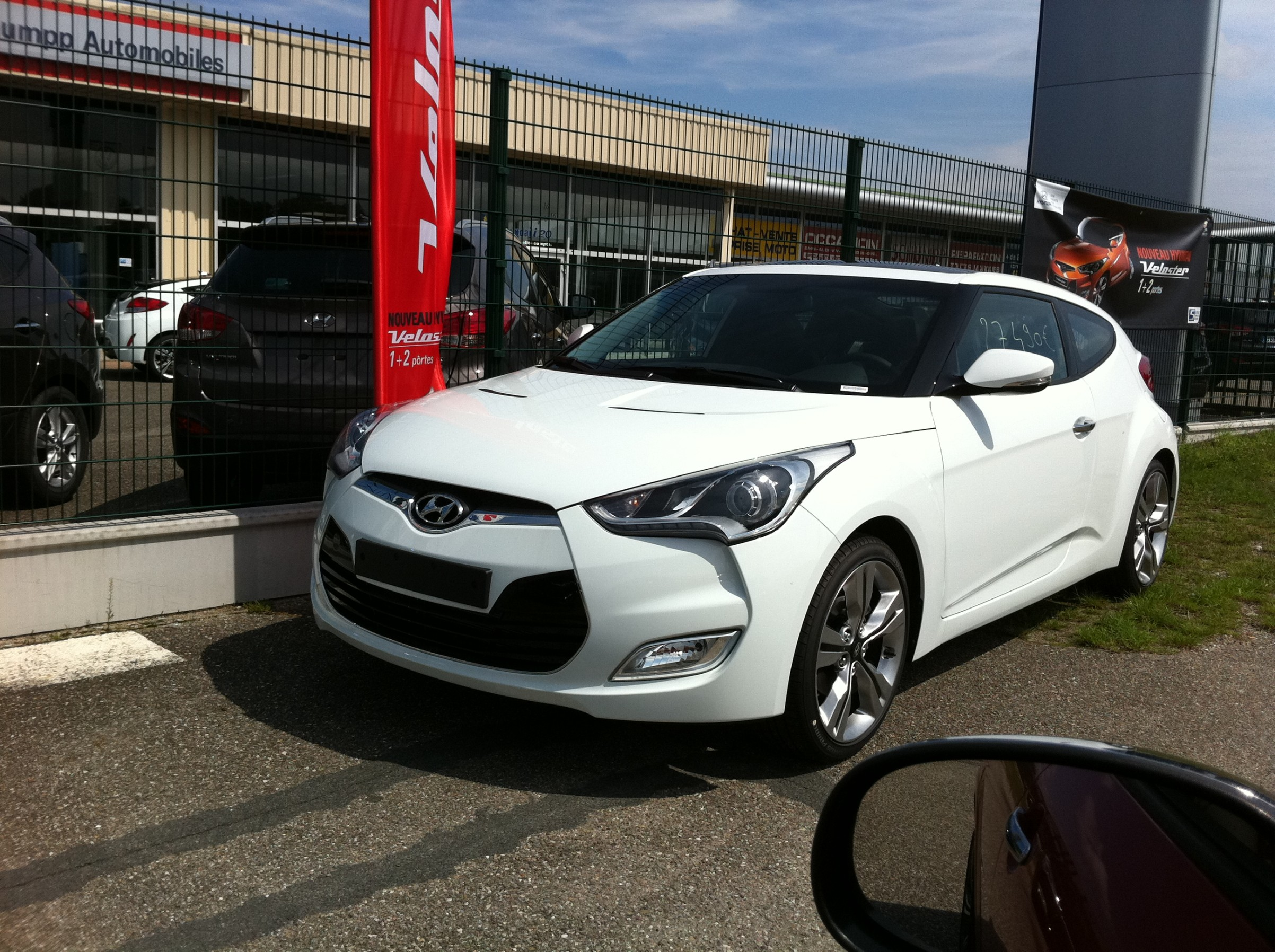 hyundai veloster auto titre. Black Bedroom Furniture Sets. Home Design Ideas