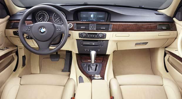 Meilleur interieur de la categorie des moyennes routieres for Interieur voiture