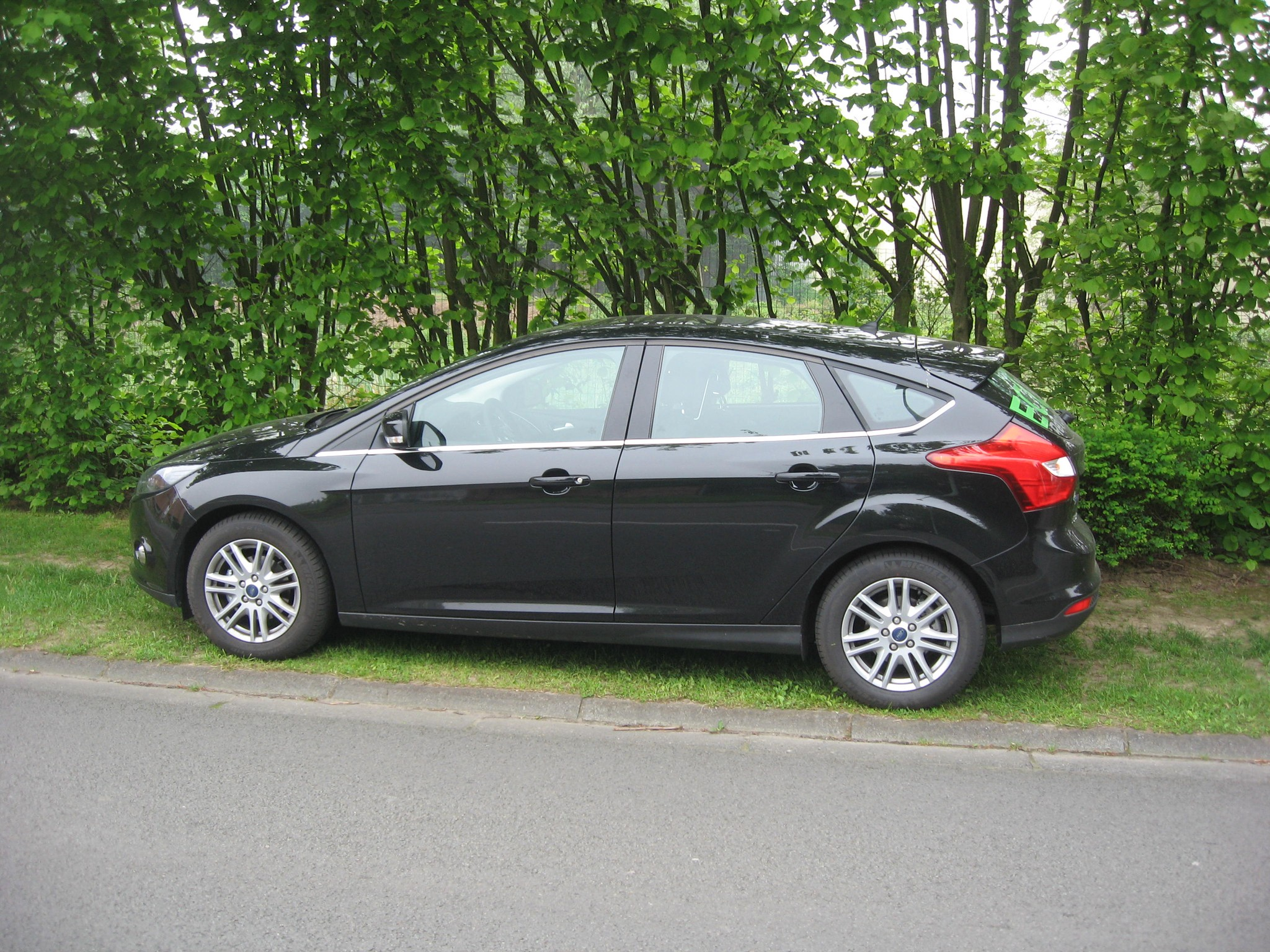 ford focus 1 0 ecoboost test drive. Black Bedroom Furniture Sets. Home Design Ideas