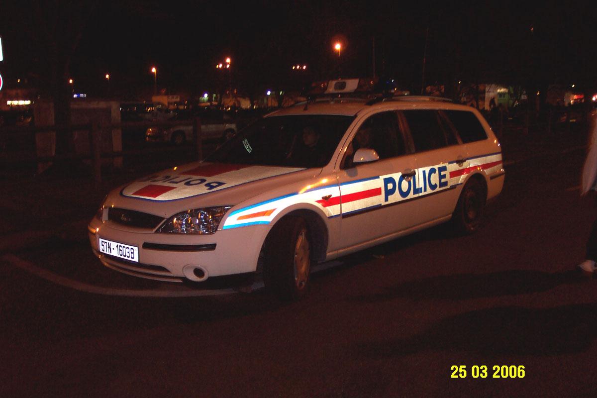 photos de voitures de police page 177 auto titre. Black Bedroom Furniture Sets. Home Design Ideas