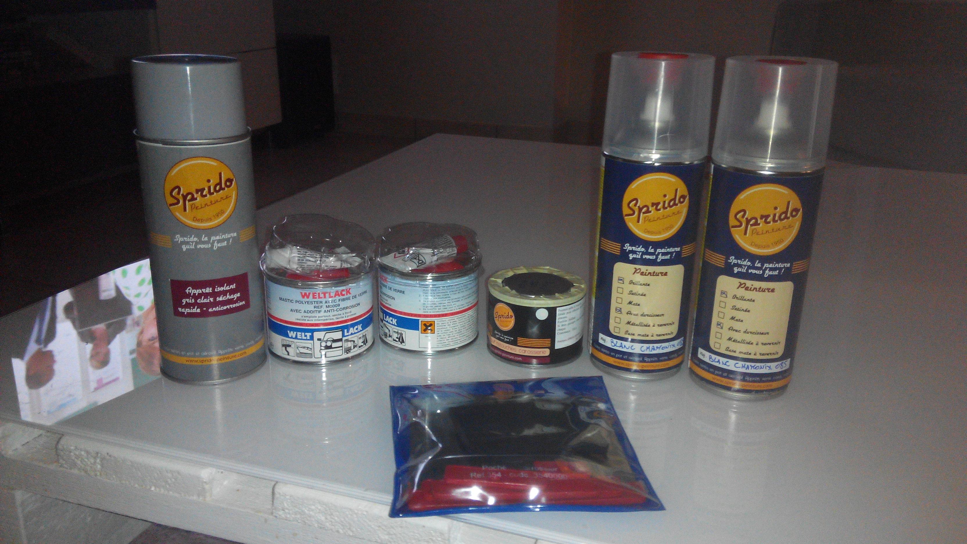 quantit n cessaire de bombes d 39 appr t peinture et vernis sur toute la voiture clio 1997. Black Bedroom Furniture Sets. Home Design Ideas