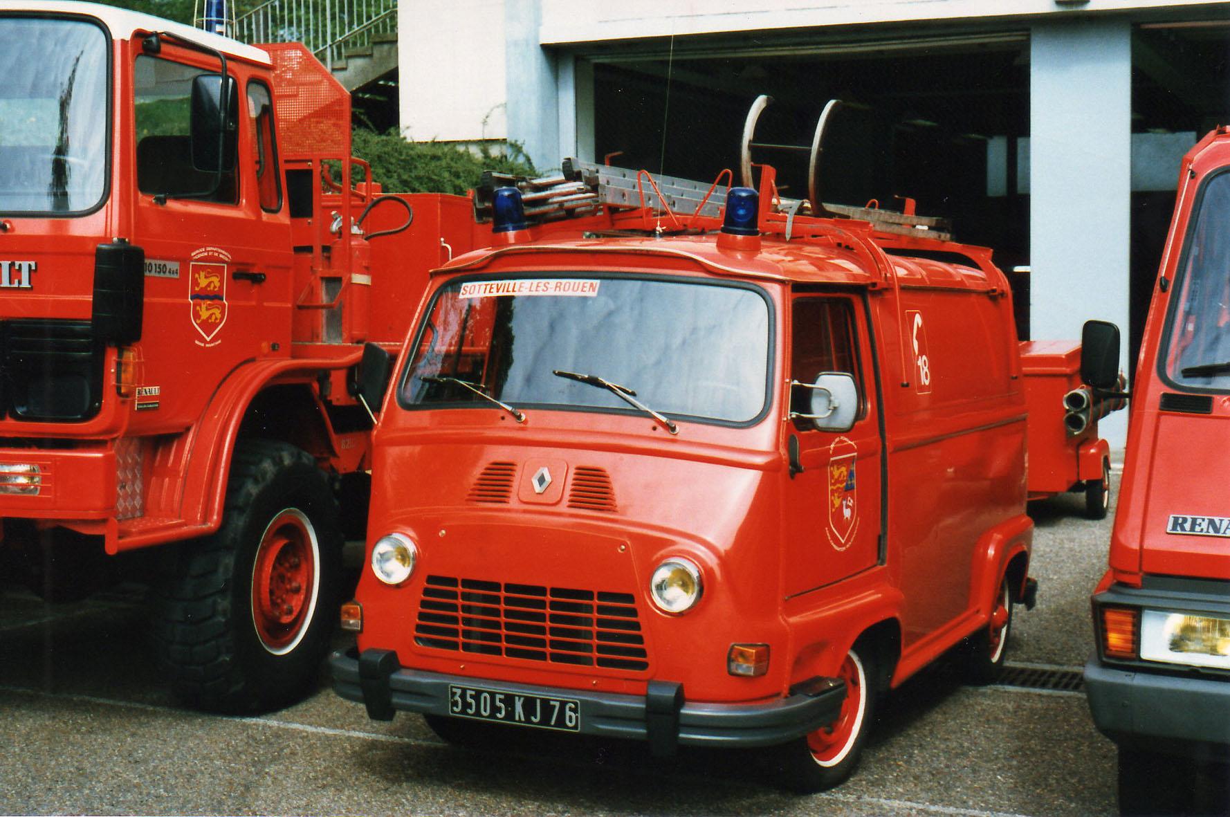 Photos de amicale des sapeurs pompiers sotteville les for Interieur estafette