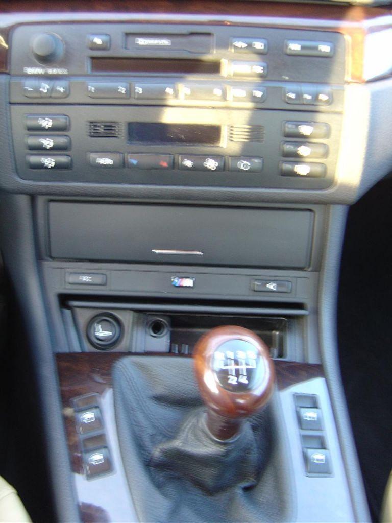 Gps navi dans bmw auto titre for Clim d interieur