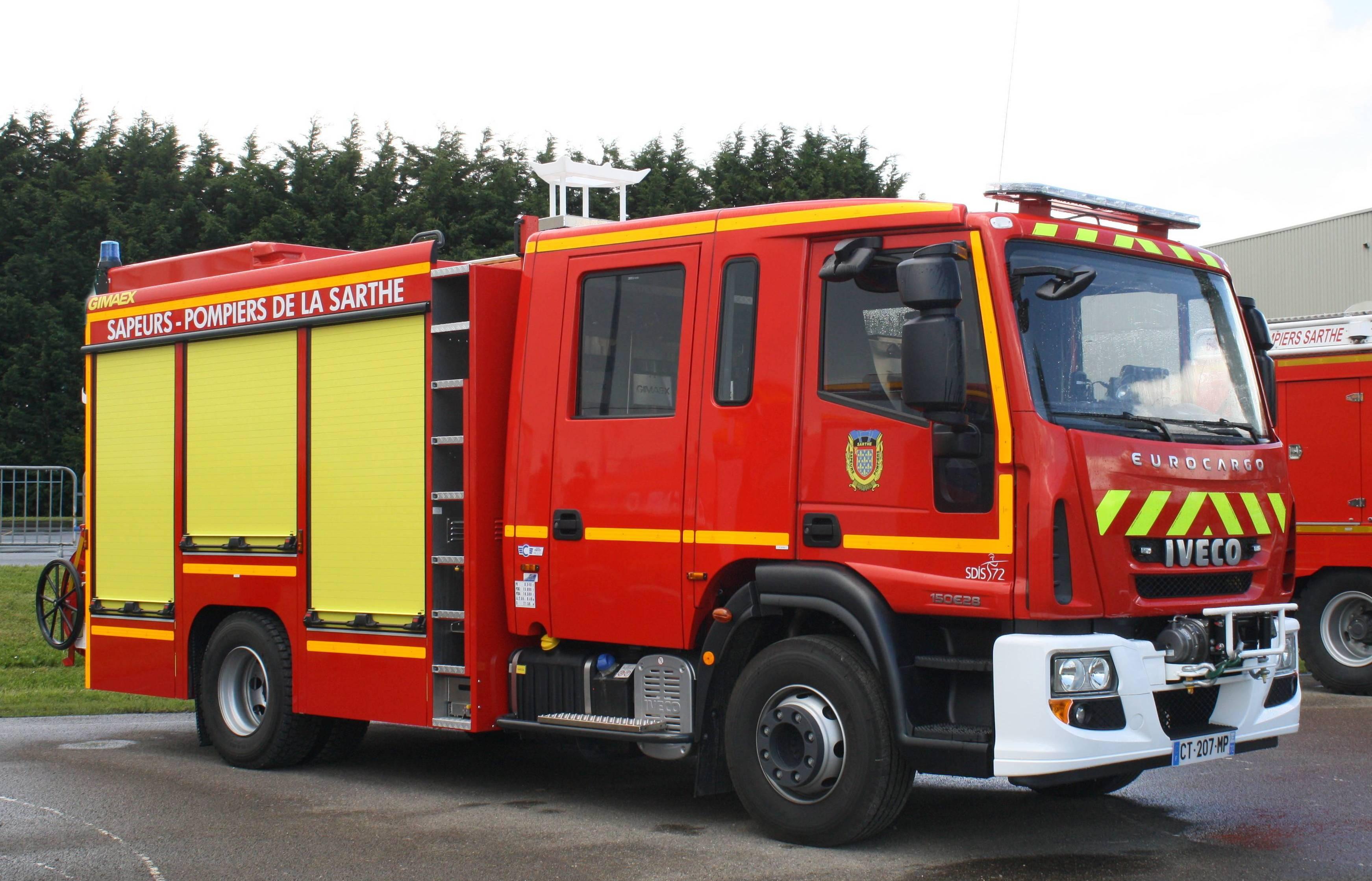 V hicules des pompiers fran ais page 1406 auto titre - Image camion pompier ...