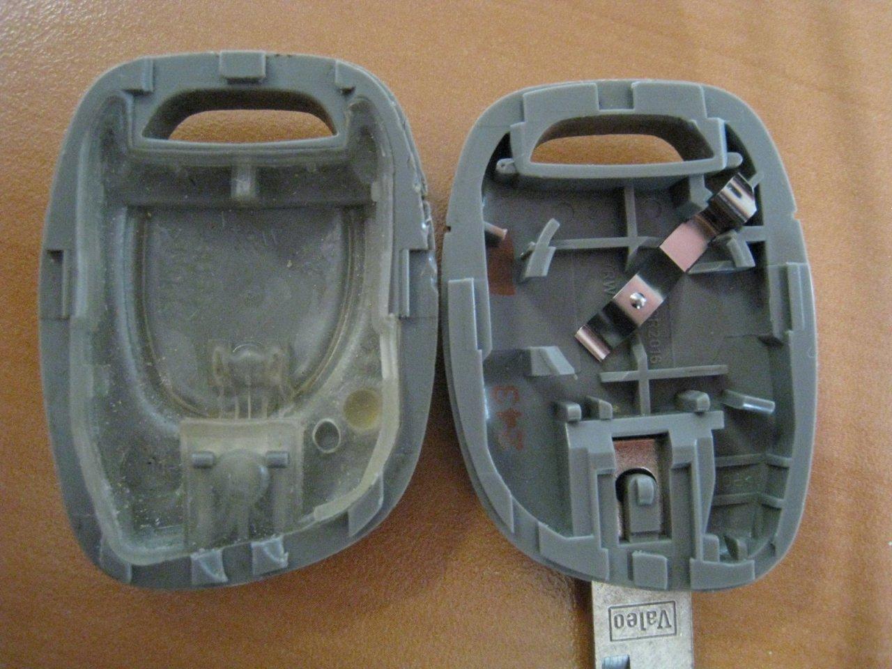 Suite au chgmt des piles de la clef twingo 16v 2001 ne for Radio pour ouvrir porte