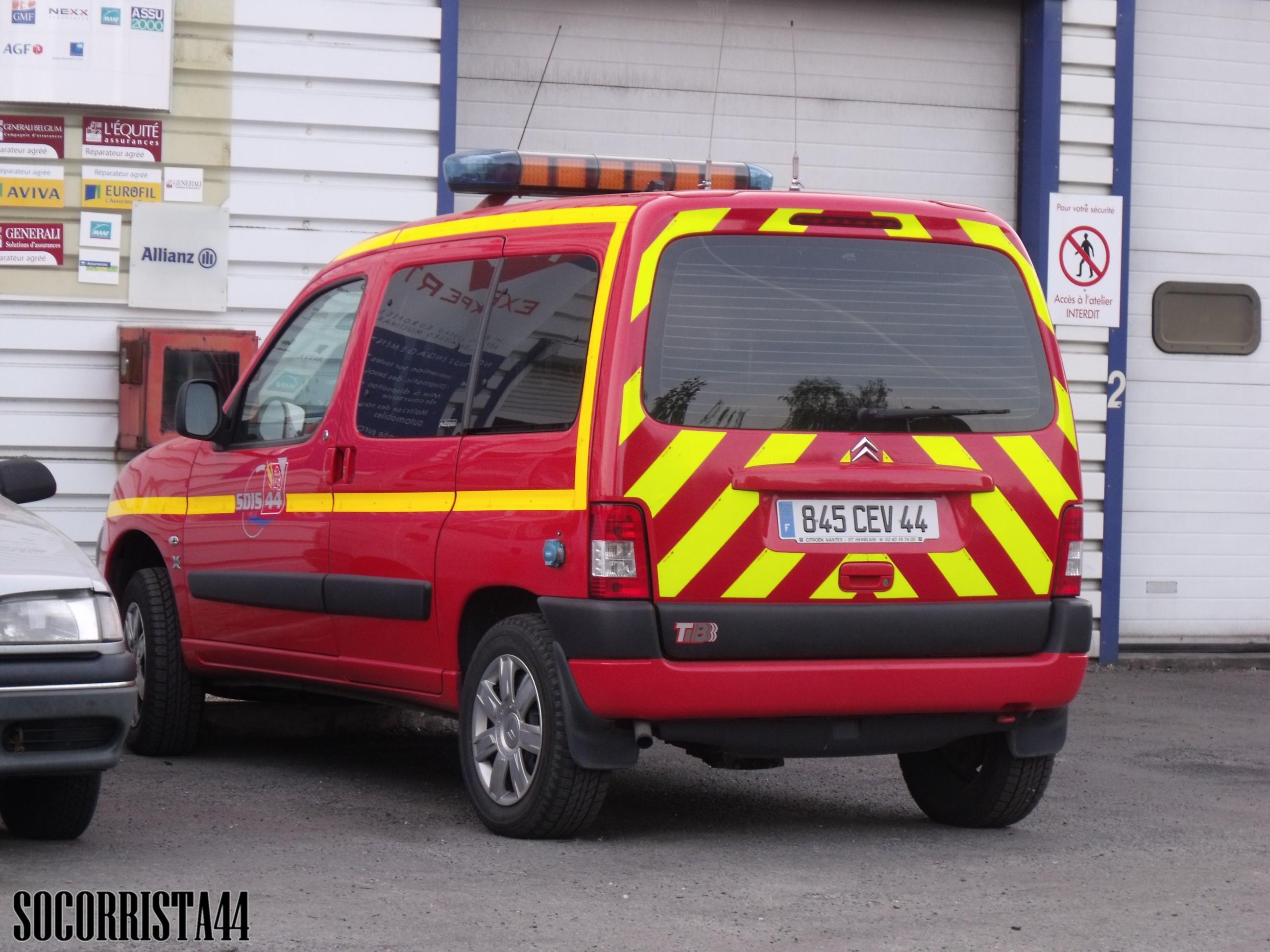 V hicules des pompiers fran ais page 771 auto titre for Garage auto fresnes