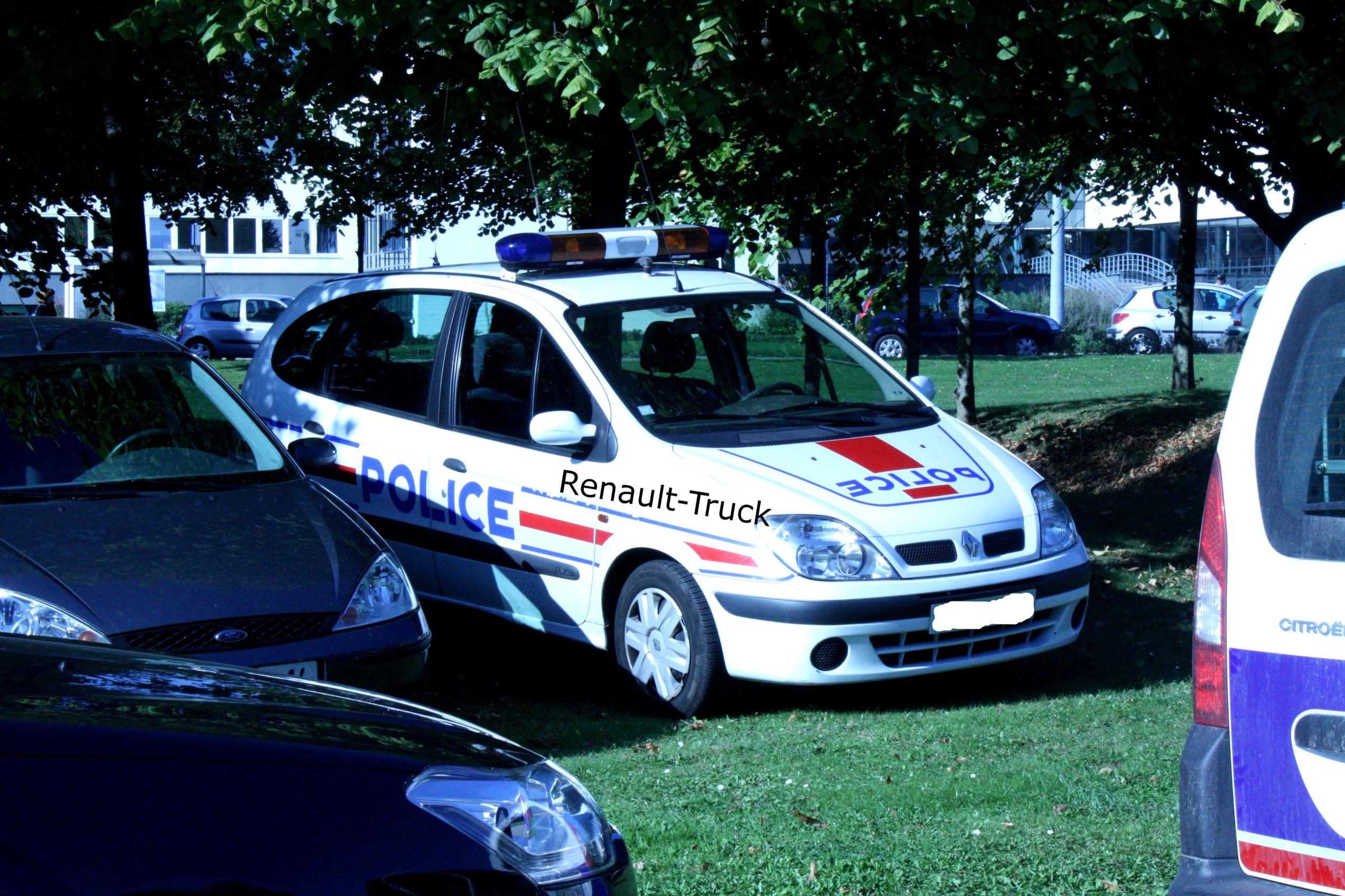 photos de voitures de police page 1629 auto titre. Black Bedroom Furniture Sets. Home Design Ideas