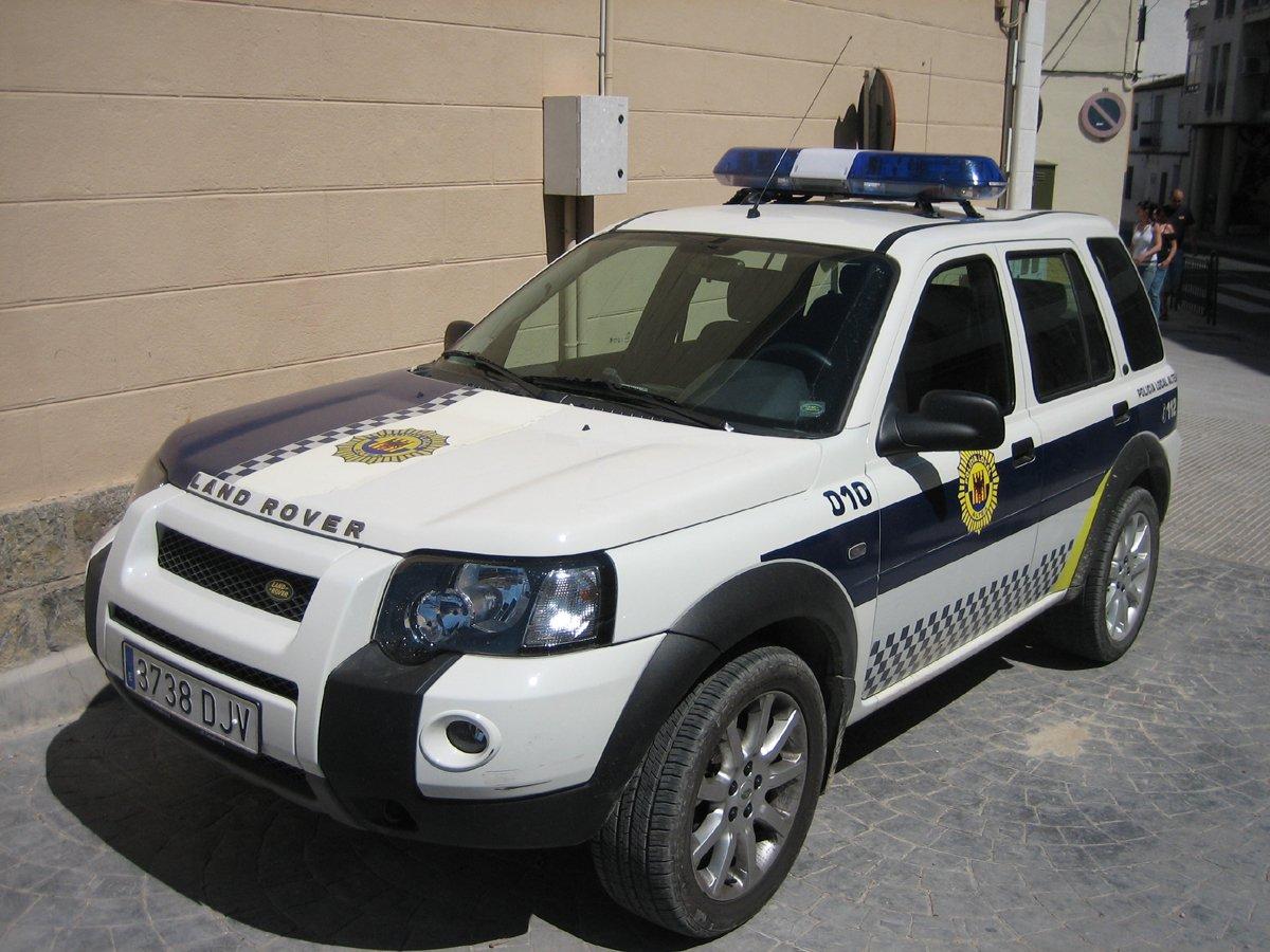 photos de voitures de police page 184 auto titre. Black Bedroom Furniture Sets. Home Design Ideas