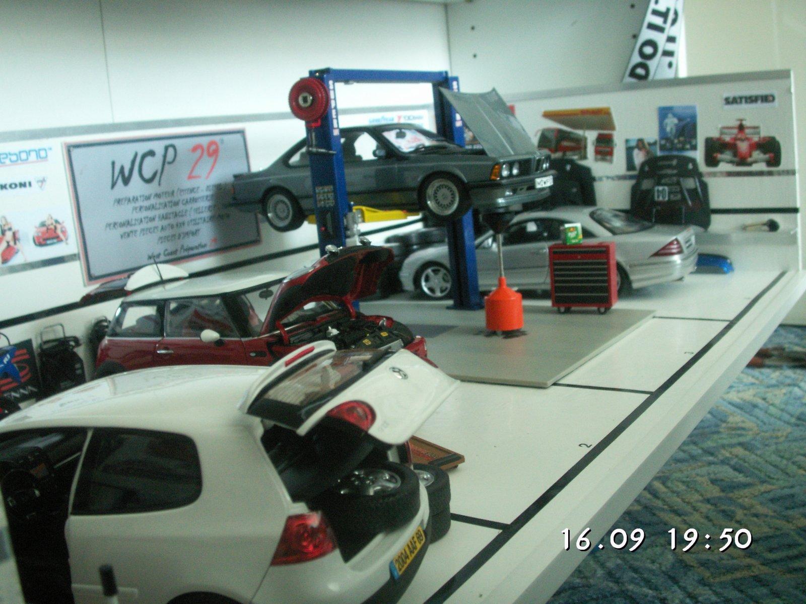 Post d di exclusivement aux miniatures l 39 chelle 1 18 for Garage mini luxembourg