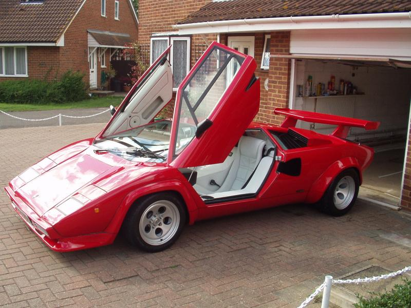 recherche info sur lamborghini countach prova auto titre. Black Bedroom Furniture Sets. Home Design Ideas