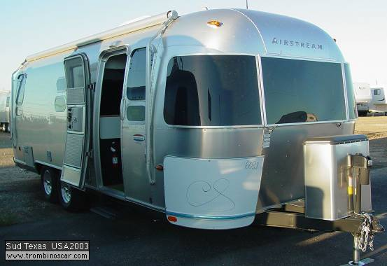 caravanes airstream usa tout aluminium auto titre. Black Bedroom Furniture Sets. Home Design Ideas