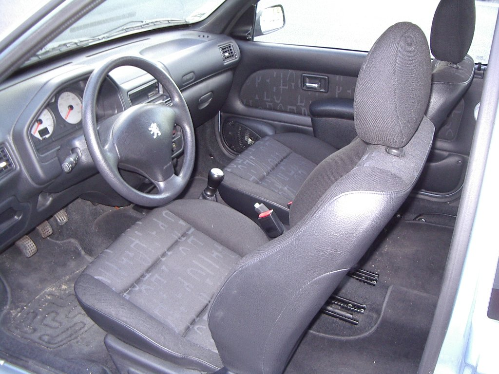 Fiche technique peugeot 106 ii quicksilver sport for Interieur 106 sport