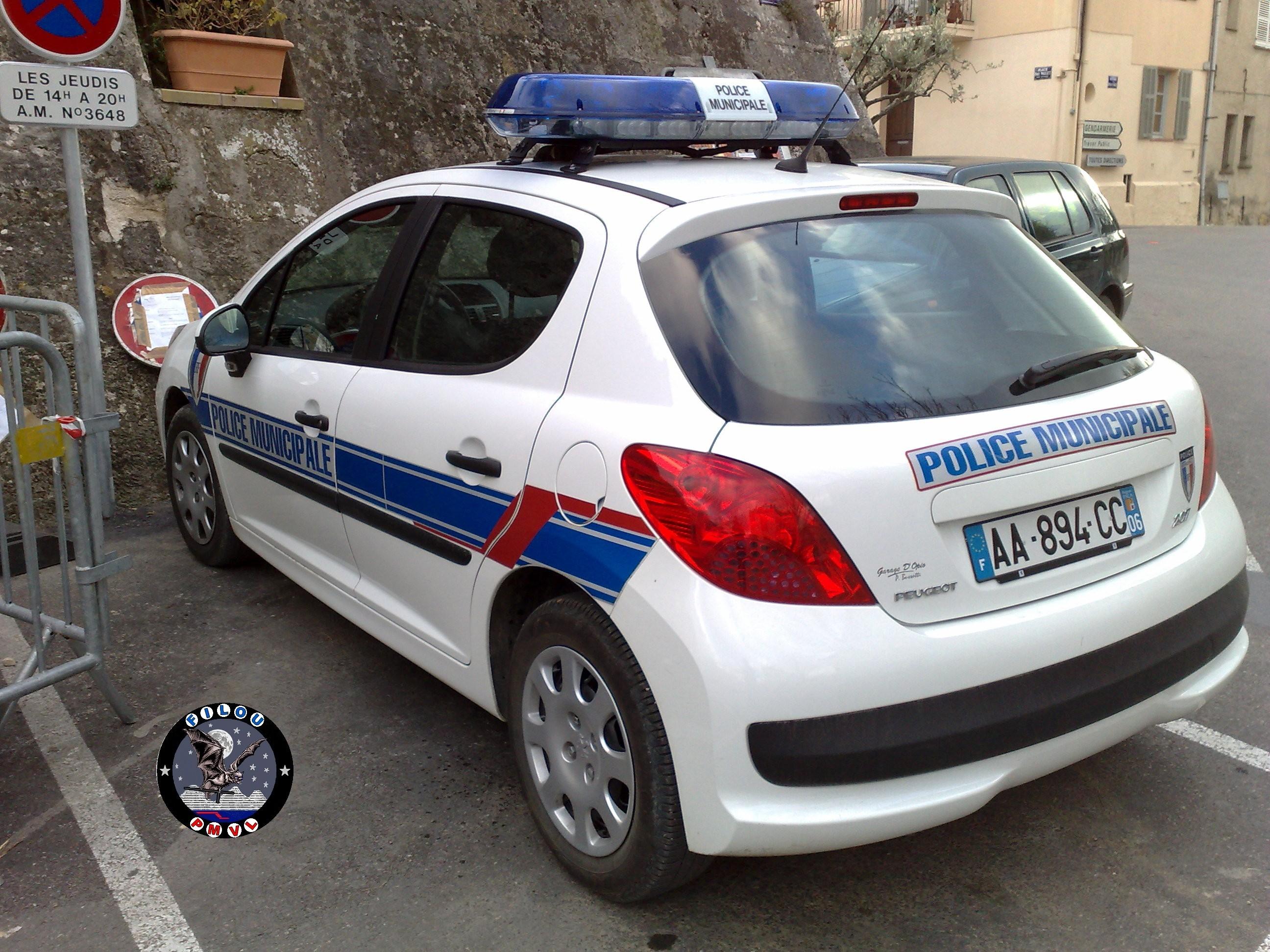 Photos de voitures de police page 1694 auto titre - Gendarmerie salon de provence ...