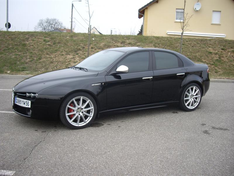 alfa romeo giulia et les boucheries de tiequar page 120 auto titre. Black Bedroom Furniture Sets. Home Design Ideas