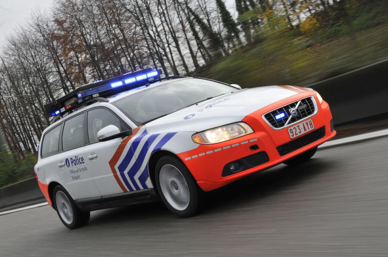 photos de voitures de police page 1649 auto titre. Black Bedroom Furniture Sets. Home Design Ideas