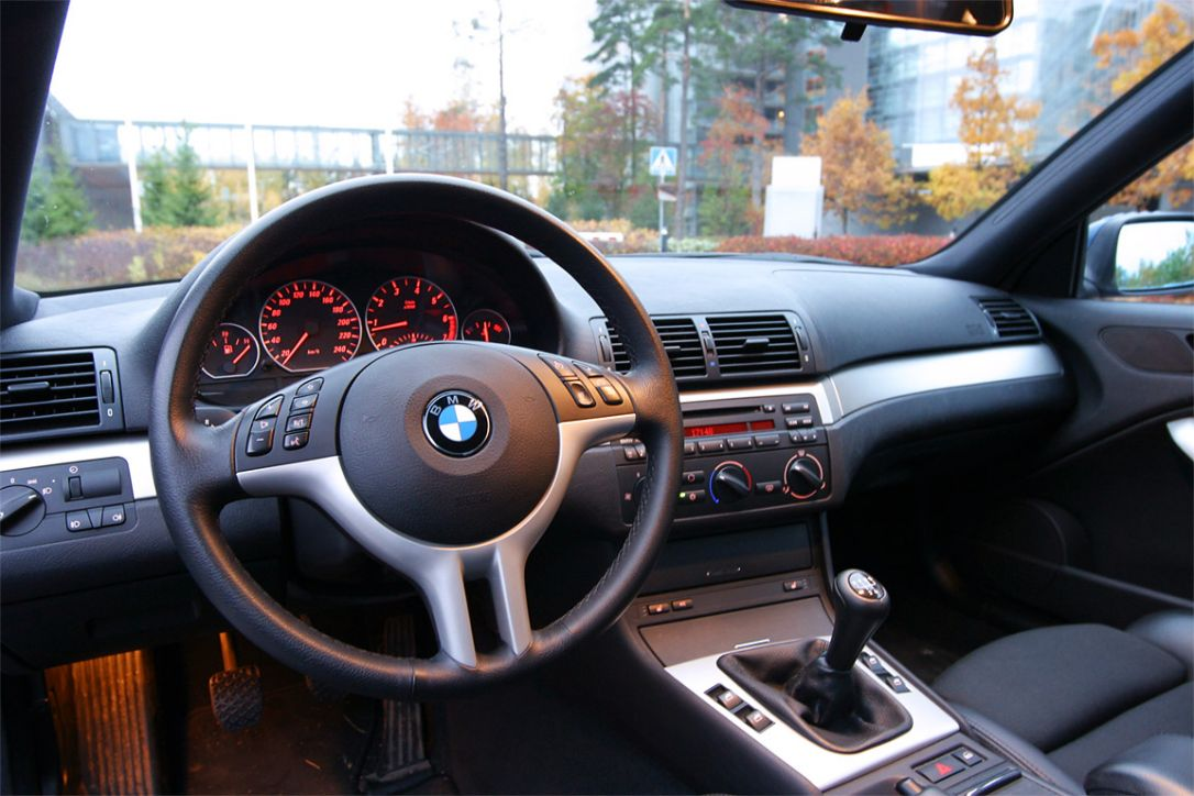 info sur les boutons au volant bmw e46 auto titre. Black Bedroom Furniture Sets. Home Design Ideas