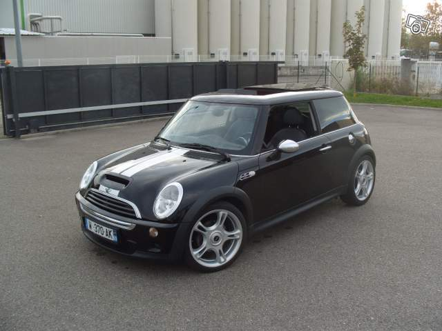 mini cooper s r53 1 6 compresseur 163ch vs smart forfour brabus 2005 1 5 turbo 177ch auto. Black Bedroom Furniture Sets. Home Design Ideas
