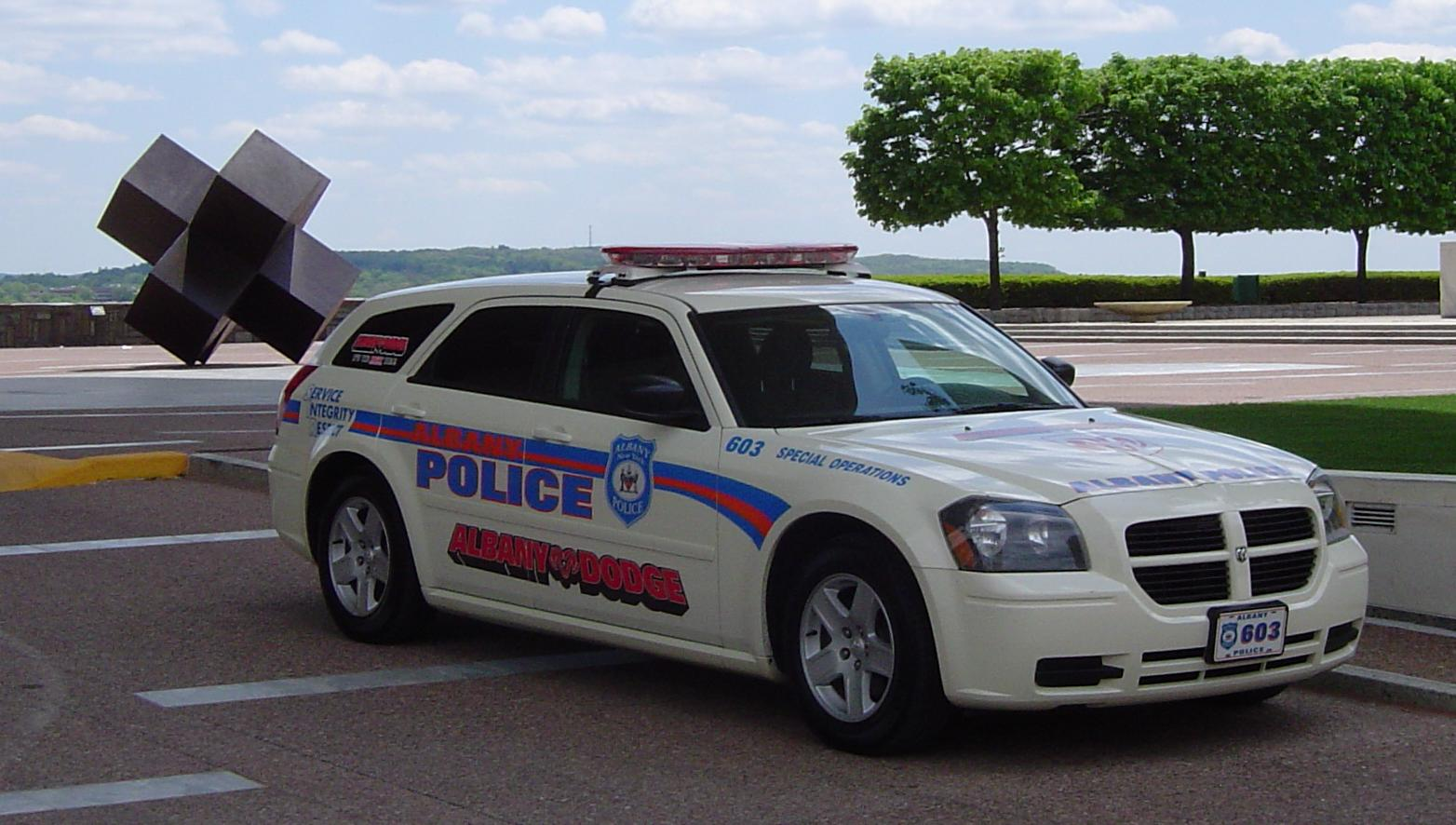 photos de voitures de police page 183 auto titre. Black Bedroom Furniture Sets. Home Design Ideas