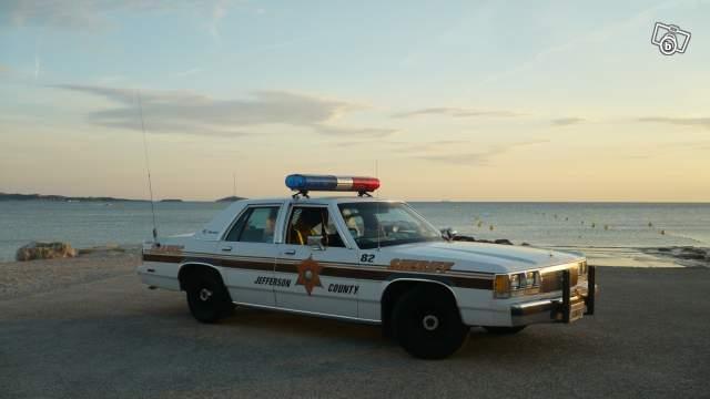 photos de voitures de police page 1623 auto titre. Black Bedroom Furniture Sets. Home Design Ideas