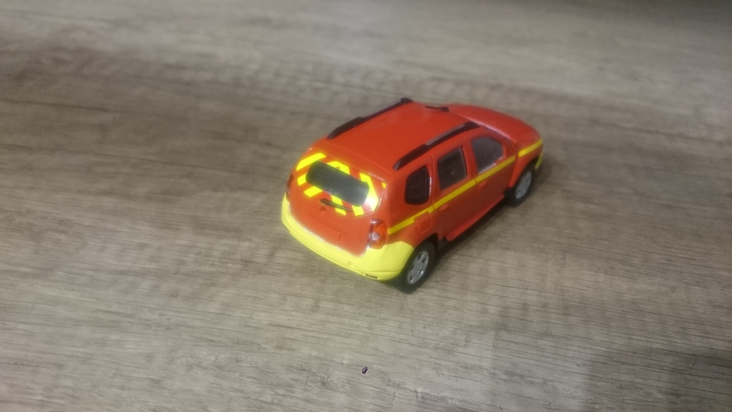 Photos de miniatures de v hicules d 39 urgence page 636 auto titre - Enlever de la super glue ...