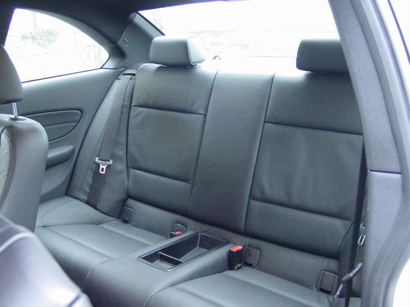 place arriere d un 120d coupe e 82 auto titre. Black Bedroom Furniture Sets. Home Design Ideas