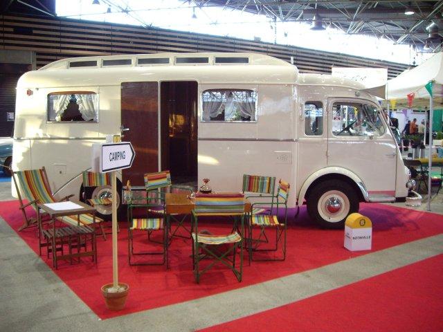 camping cars et caravanes anciens nes auto titre. Black Bedroom Furniture Sets. Home Design Ideas