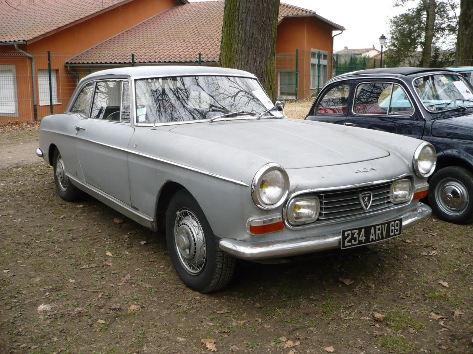 Peugeot 404 Coupé dans son jus