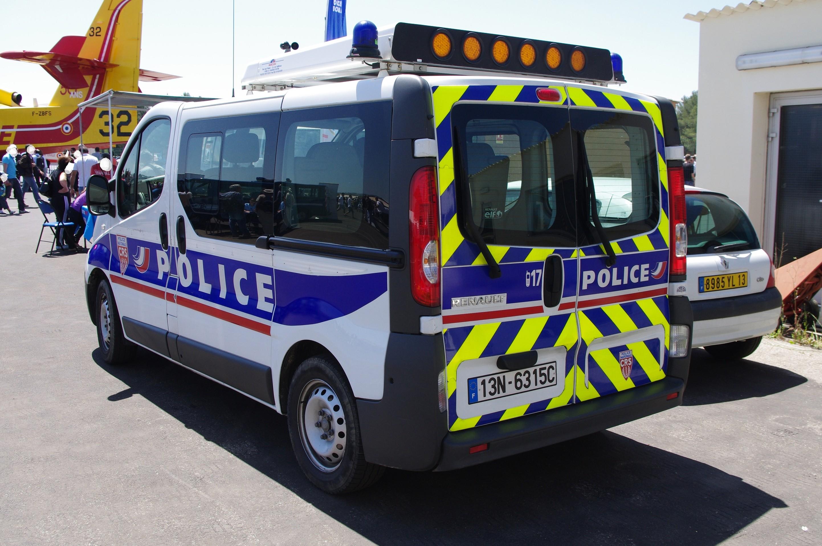photos de voitures de police page 2060 auto titre. Black Bedroom Furniture Sets. Home Design Ideas