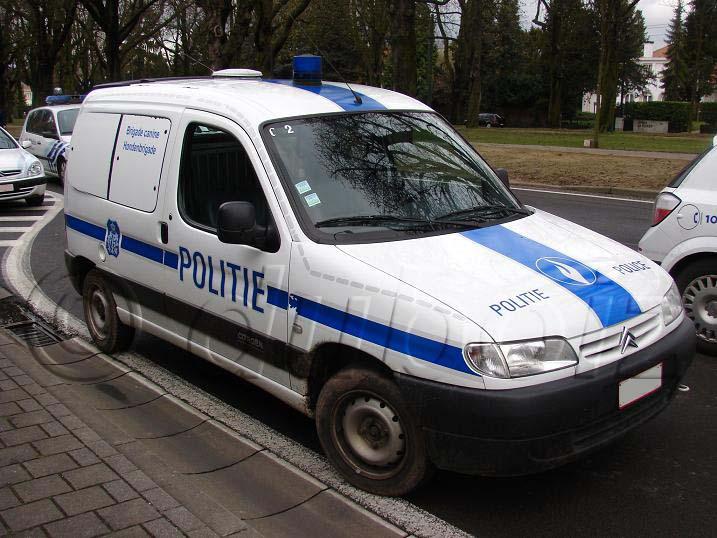 [Photos] Les citroen de la police Fc7f1798dd