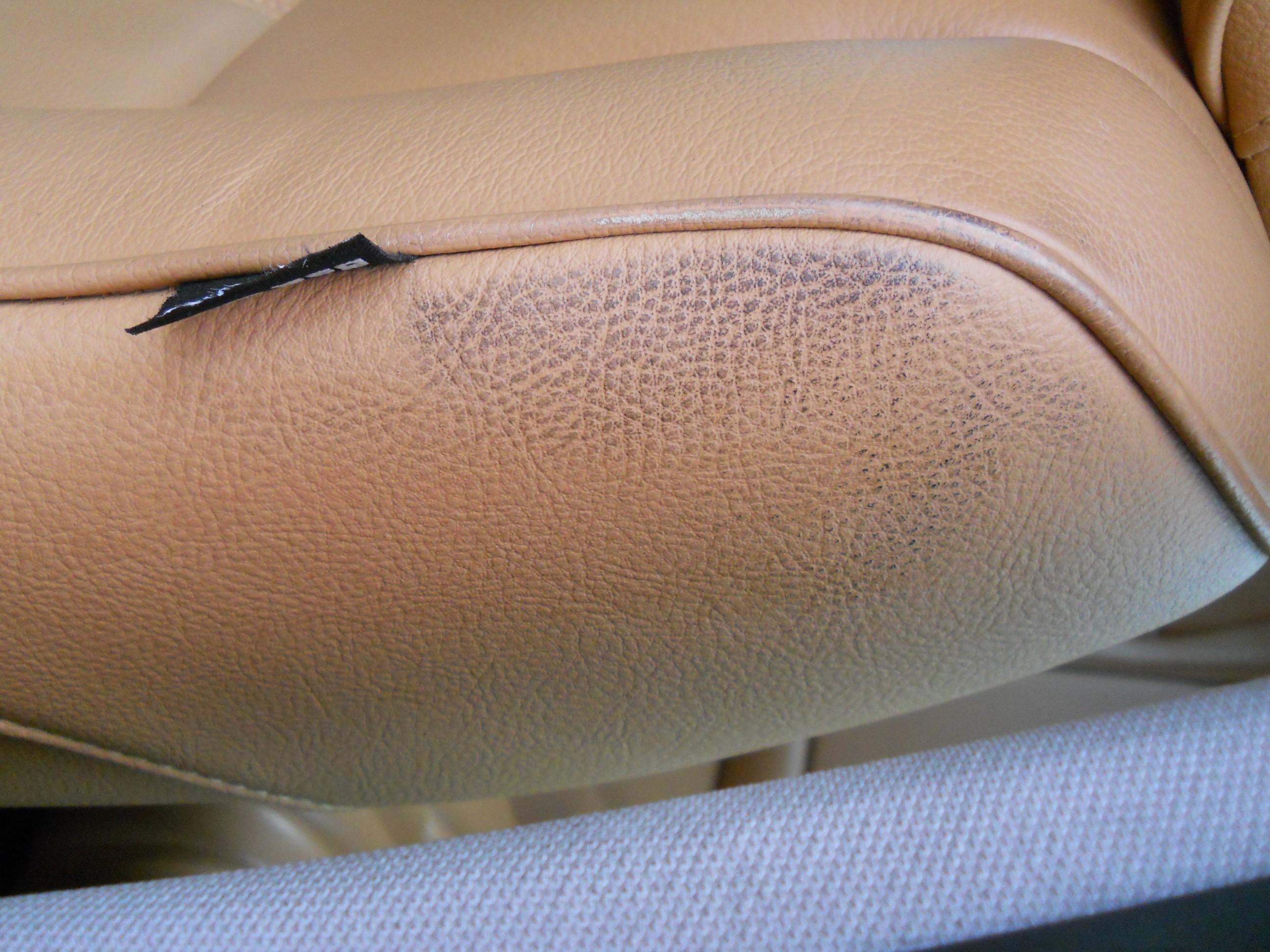 Nettoyage d 39 un int rieur cuir trucs et astuces page for Nettoyage d un canape en cuir