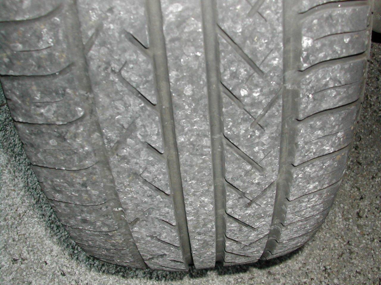 Ma bmw serie1 page 76 auto titre for Usure exterieur pneu avant droit