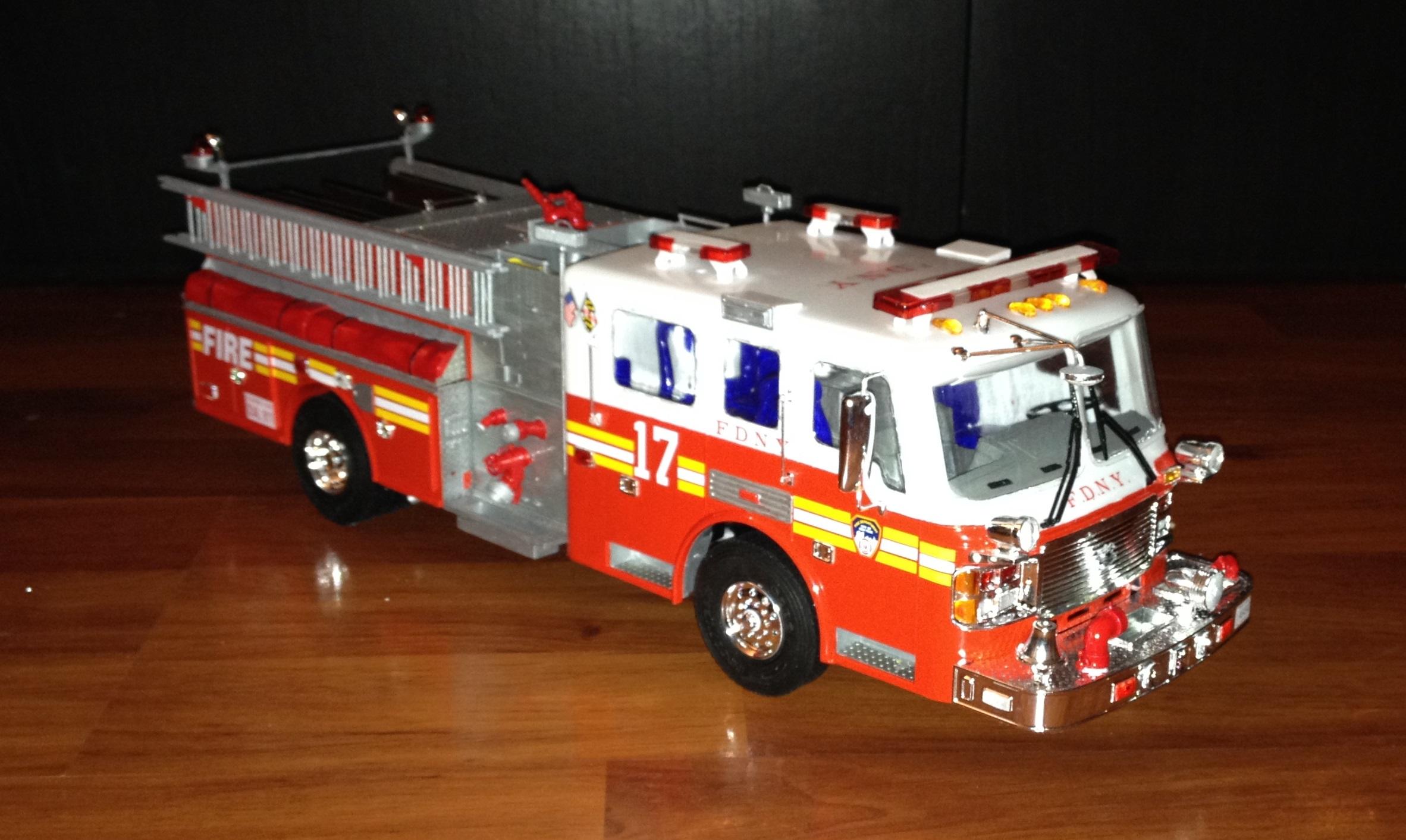 maquette camion de pompier americain. Black Bedroom Furniture Sets. Home Design Ideas