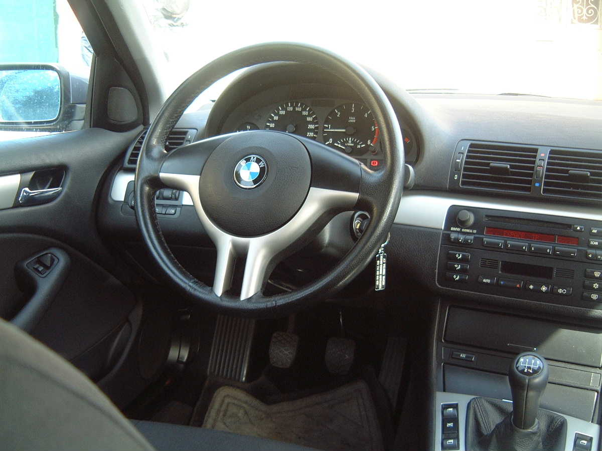 volant multi fonction bmw 330d auto titre. Black Bedroom Furniture Sets. Home Design Ideas