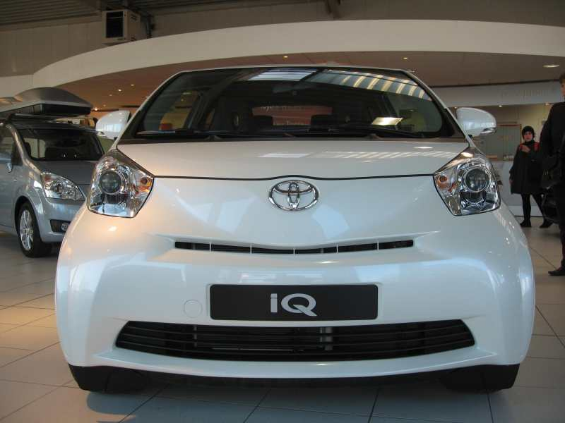 test drive rpt toyota iq 1 0 68ch page 2 auto titre. Black Bedroom Furniture Sets. Home Design Ideas