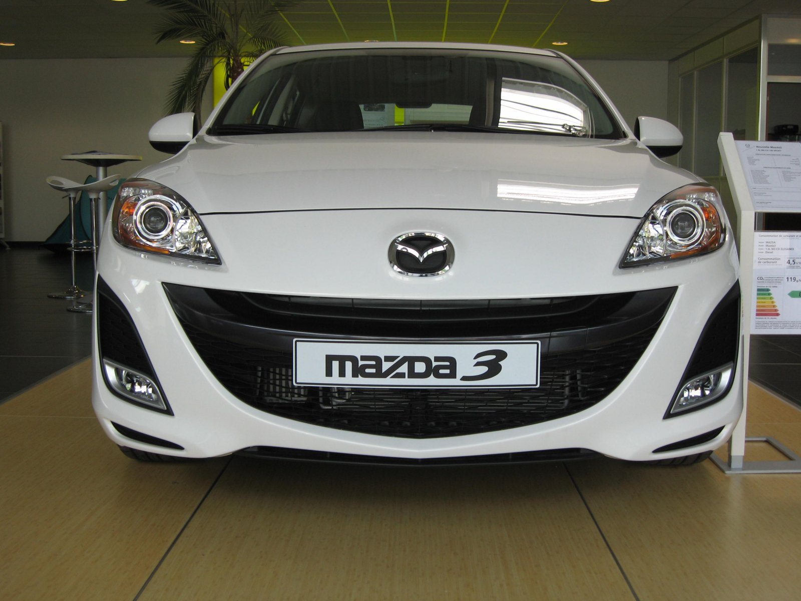 test drive rpt mazda 3 1 6 105ch elegance auto titre. Black Bedroom Furniture Sets. Home Design Ideas