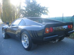 ferrari 288 gto noire vendre auto titre. Black Bedroom Furniture Sets. Home Design Ideas
